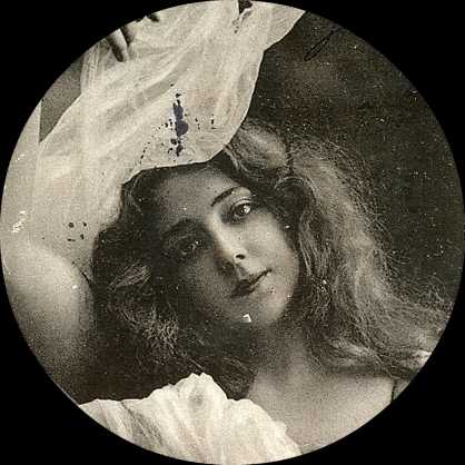 Behold, Anna Held (All images: T. Brack's archives)