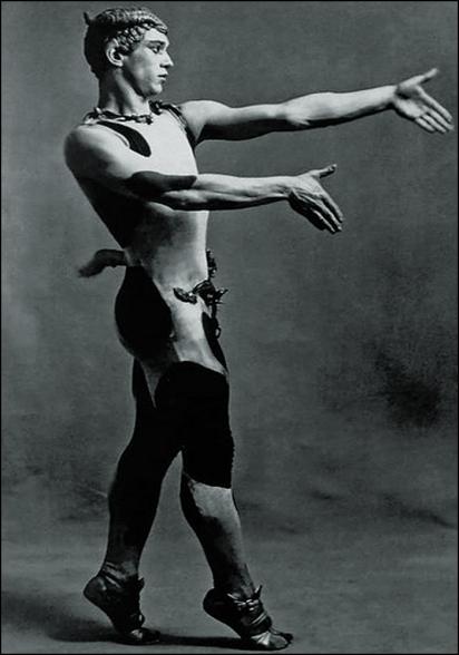 Nijinsky, L'après-midi d'un faune, 1912 (Photograp: Bettmann/Corbis Archives)
