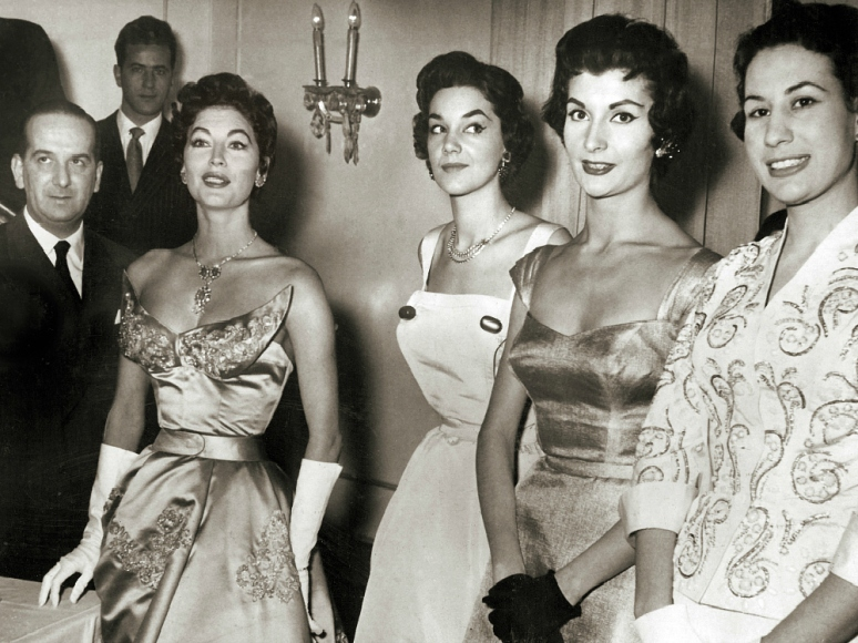 Fashion show at the Sorrelle Fontana studio, featuring Ava Gardner, Rome, 1954 (Image: T. Brack's archives)