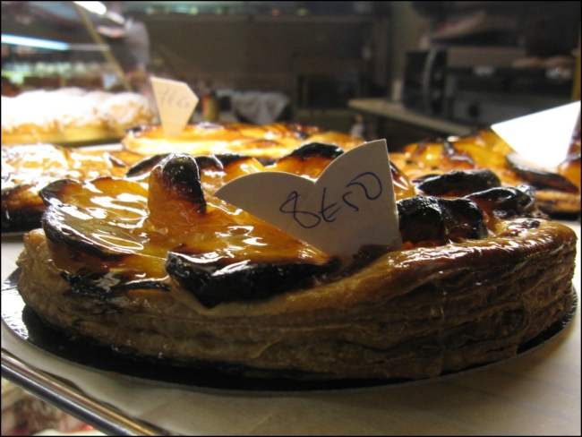 Feeling very much like a voluptuous tarte at the Boulangerie Pâtisserie Maison Landemaine at 26 rue des Martyrs (Photo by Theadora Brack)