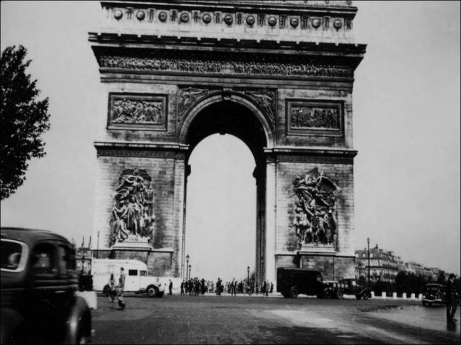 After quarreling with her beau at the Arc de Triomphe on Bastille Day in 1914, Rose jumped off the rooftop (Image: T. Brack's archives)
