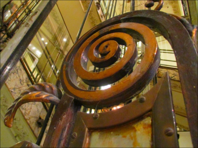 Going up? One of the last surviving elevators at the centuries-old grand grand magasin (Photo by T. Brack)