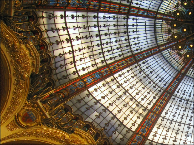 Heaven: Stained glass dome by Ferdinand Chanut and Master Glassworker Jacques Gruber (Photo by T. Brack)