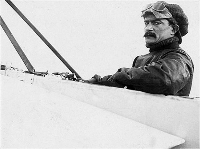 """At the end of WWI, """"speed demon"""" Védrines stepped up to the plate, er, the plane (T. Brack's collection)"""