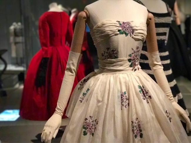 Wings of Desire: Silk organza two-piece garden party dress with silk satin sash: Avril from the Ailée Spring-Summer Collection by Christian Dior, 1955 (Photograph by Theadora Brack)