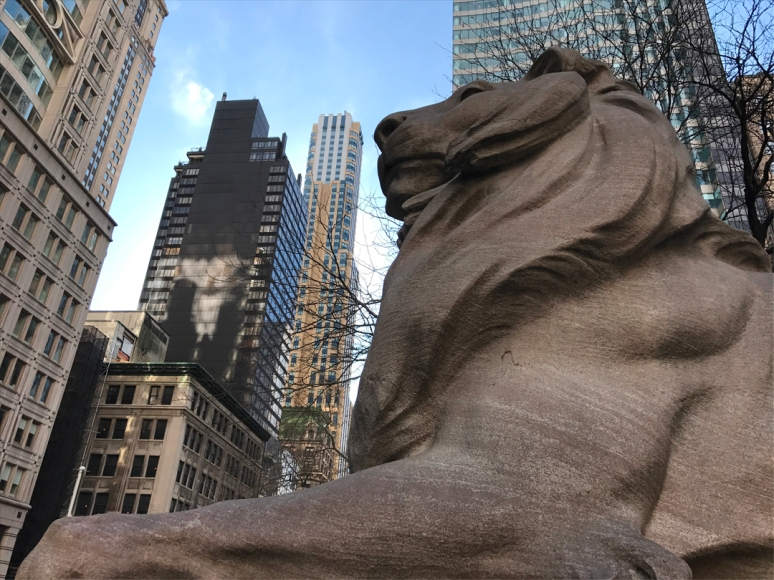 A PICK-ME-UP: LET'S CELEBRATE FRIENDSHIP AT THE NEW YORK PUBLIC LIBRARY WITH MY FAVORITE LIONS: FORTITUDE AND PATIENCE, SCULPTED BY EDWARD CLARK POTTER AND THE PICCIRILLI BROTHERS, 1911 (PHOTO BY THEADORA BRACK)
