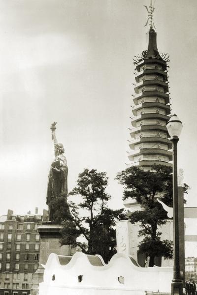 La Statue de la Liberté, Pont de Grenelle, Paris, June 1940 (Image: Theadora Brack's archives)