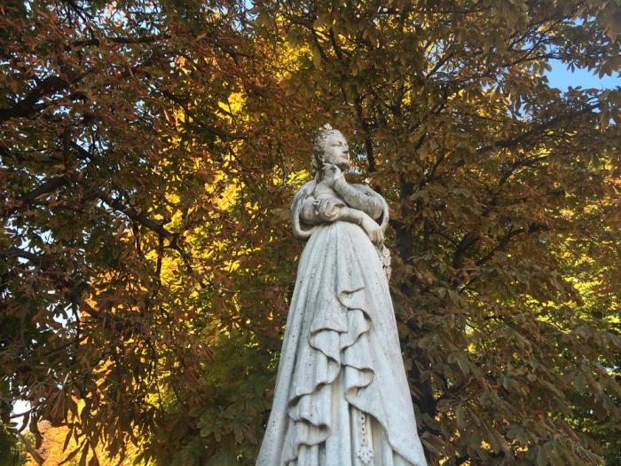 Marguerite d'Angoulème by Joseph Stanislas Lescorne, Jardin du Luxembourg (Photo by Theadora Brack)