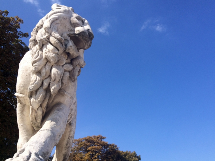 Be Bold: Lion by Jean Baptiste Henraux, Jardin du Luxembourg (Photo by Theadora Brack)
